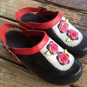 Hanna Andersson Floral Clog Roses Girls Size 33